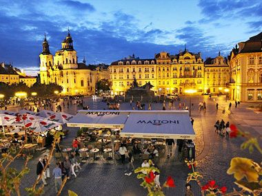 cheap escorted tours to usa:7-Day Eastern and Central Europe Tour: Berlin - Dresden - Prague
