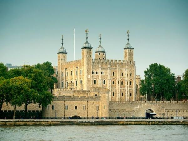 London Complete Tour w/ Afternoon Tea on the River Thames
