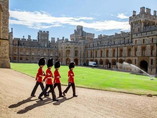 Windsor Castle, Stonehenge, Lacock and Bath Day Trip