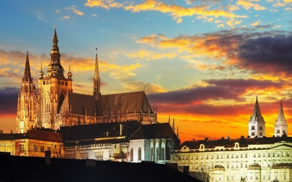 14-Day Western, Central and Eastern Europe Tour**Paris departure**