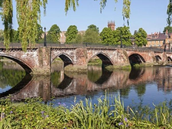 1-Day England Train Tour: London to Chester