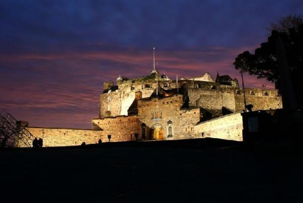 Scottish Highlands Day Trip w/ Whisky Distillery Tour and Edinburgh Military Tattoo