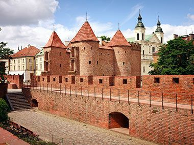 cheap escorted tours to usa:9-Day Escorted Tour from Warsaw to Krakow, Prague and Vienna