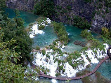 9-Day Escorted Tour from Dubrovnik to Split, Plitvice, Bled & Zagreb