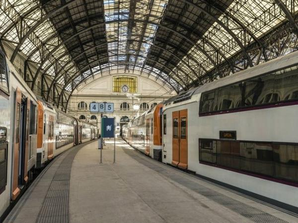 Barcelona Airport/Train Station/Port Transfers to/from Hotels