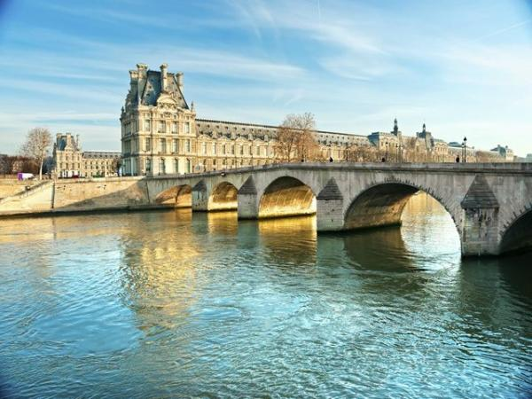 9-Day Western Europe Tour from Paris w/ Airport Shuttle Service