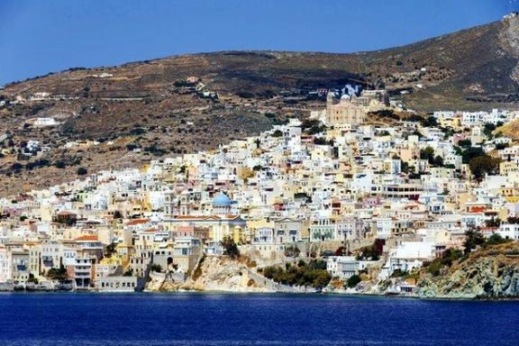 5-Day Boat Trip to Syros, Mykonos and Santorini