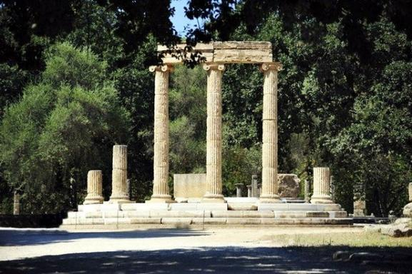 Sunday Excursion to Olympia: Ancient Ruins + Shopping