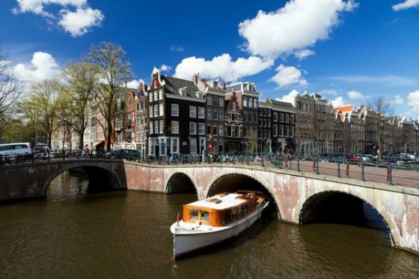 7-Day Western Europe Tour: Frankfurt - Amsterdam - Paris