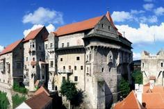 excursion a big island:Porta Coeli Monastery & Pernstejn Castle Excursion with Lunch