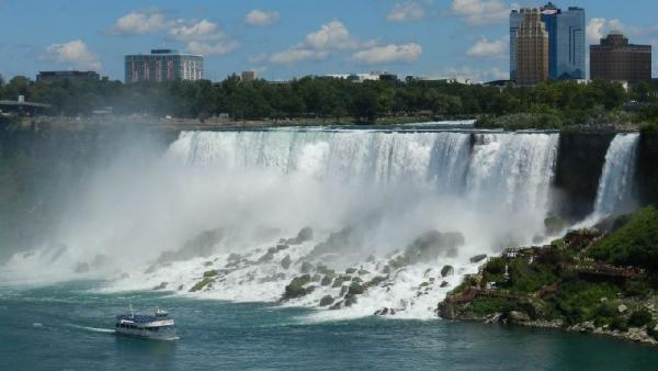 7-Day East Coast and Canada Deluxe Tour: Niagara Falls, Thousands Islands, Quebec & New York