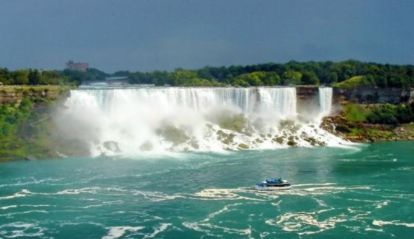 3-Day Bus Tour to Boston, Niagara Falls and Thousand Islands