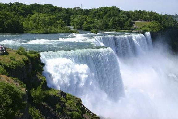 3-Day Deluxe Bus Tour to Niagara Falls, Corning Museum of Glass and Boston from New York