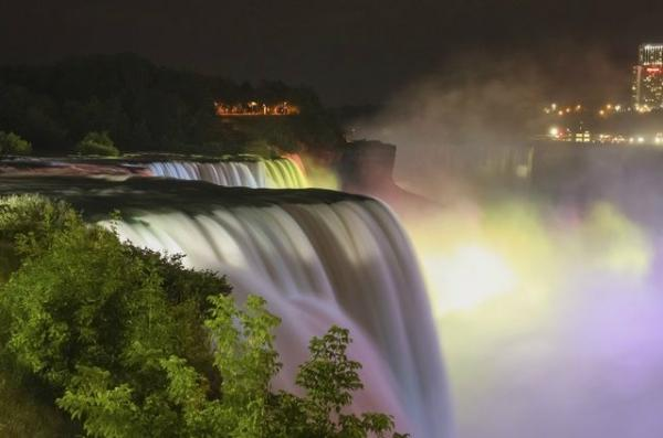 7-Day East Coast Tour From Washington DC: Niagara Falls - Boston - NYC - Amish