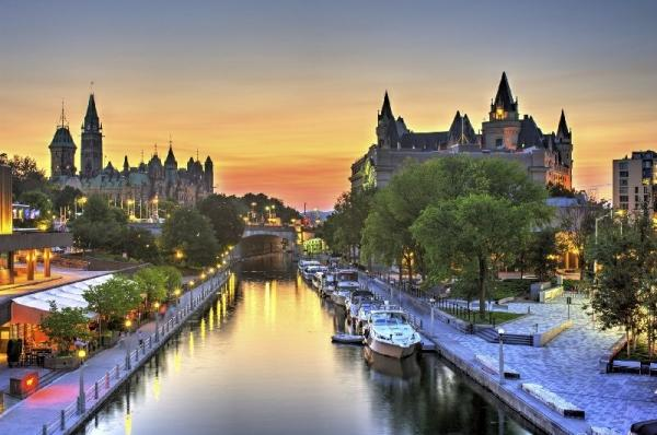 4-Day Montreal, Quebec, Ottawa and Niagara Falls Tour