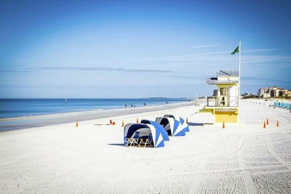 1-Day Clearwater Beach and Dali Museum Tour