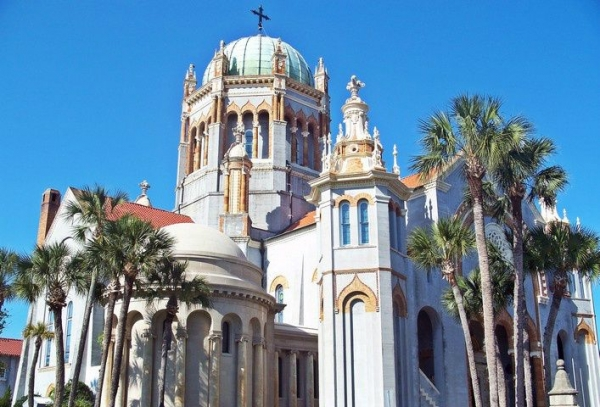 7-Day Florida Experience: St. Augustine, Clearwater Beach + Theme