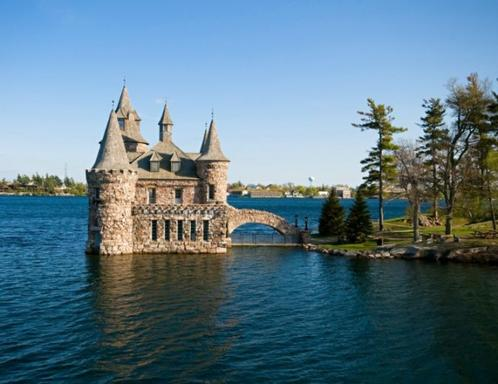 3-Day Toronto, Thousand Islands and Niagara Falls Bus Tour