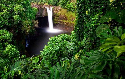 4-Day Big Island Tour: Volcanoes National Park - Rainbow Falls - Kona