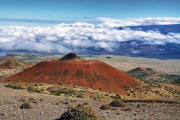 5-Day Big Island Tour: Volcanoes NP - Akaka Falls - Nani Mau Gardens - Kona