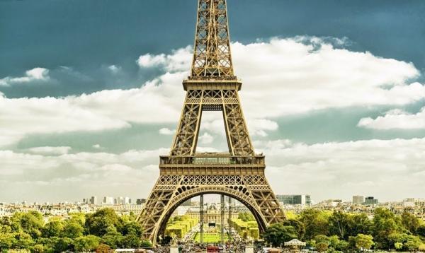 Eiffel Tower Skip-the-Line Ticket w/ Summit Access