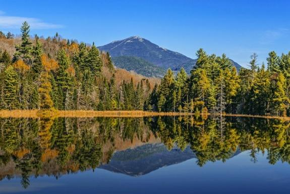 2-Day Maple Leaf Tour: Lake George - Lake Placid - Ausable Chasm