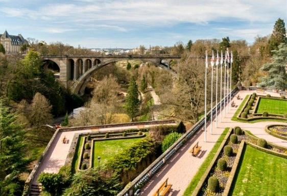 Luxembourg Hop-On Hop-Off Sightseeing