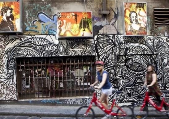 2.5-Hour Melbourne Bike About Tour