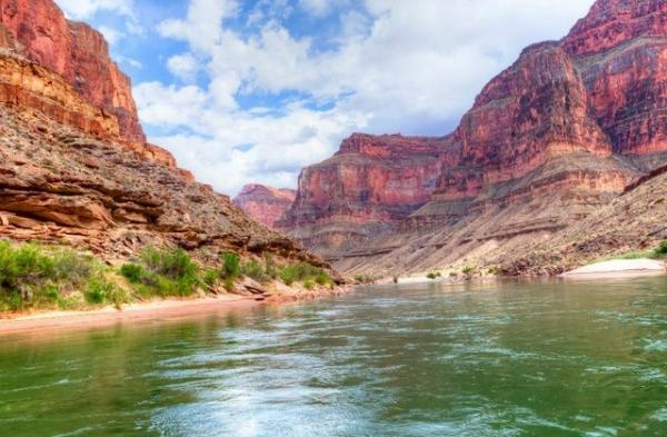 Half Day Helicopter and Shooting Tour: Grand Canyon and Hoover Dam