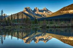 canada vancouver banff tour packages:7-Day Canadian Rocky Mountain & Mt. Robson, Victoria Summer Tour Package