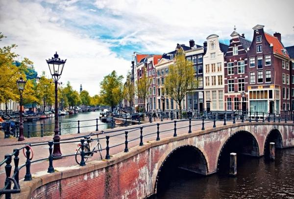 7-Day Western Europe Tour from Amsterdam