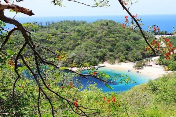 Huatulco 5 Bay Private Tour