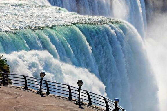 1-Day Niagara Falls AirCruise from New York in a Private Plane