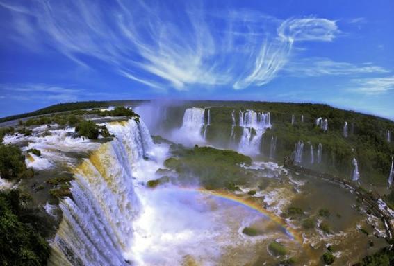 11-Day Chile to Brazil Adventure: Santiago - Buenos Aires - Iguazu Falls