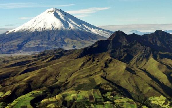 8-Day Ecuador Adventure: Quito - Banos - Cuenca