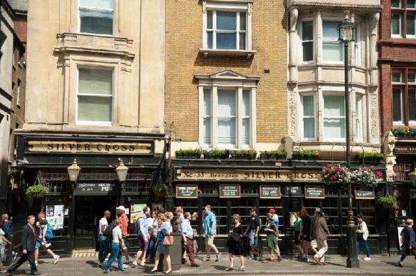 Highlights of London Walking Tour w/ English Tea
