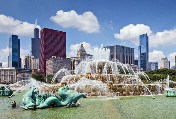 5-Day Chicago Bus Tour: Cleveland, Toledo and Detroit