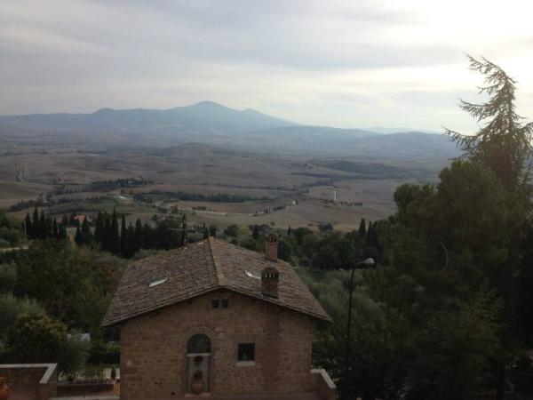 Tuscany Day Trip from Rome w/ Lunch and Wine Tasting
