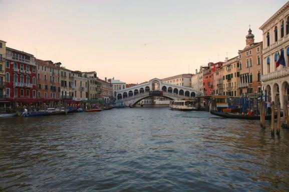 Best of Venice Walking Tour w/ St. Mark's Basilica Skip the Line