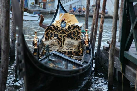 Secret Venice by Night Walking Tour and Gondola Ride