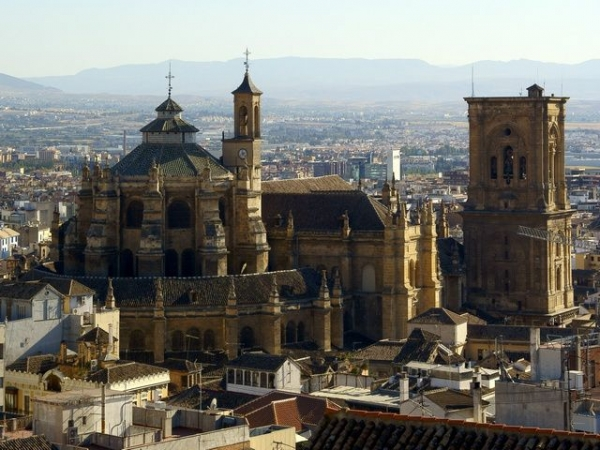 in english notre dame cathedral tickets:7-Day Andalucia & Costa del Sol Tour