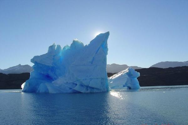 maid of the mist boat tour:1-Day Famous Perito Moreno Glacier Adventure Tour: With Nautical Safari Boat Ride
