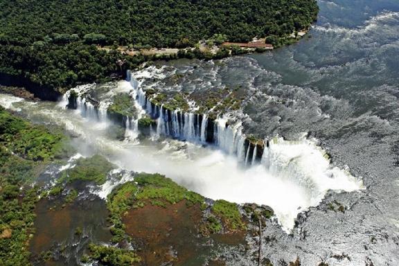 Iguassu Falls Tour From Puerto Iguazu W/ Itaipu Hydroelectric Factory: Brazil Side
