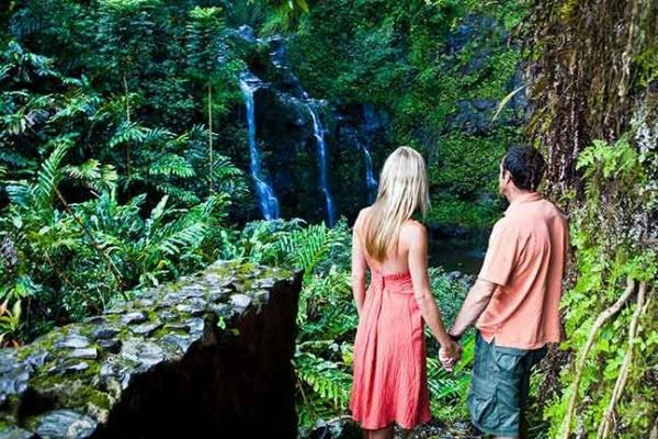 adventure tours hawaii:First Class Maui Tour of Hana Adventure