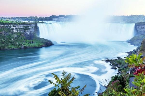 8-Day Eastern US & Canada In-Depth Tour: Niagara Falls, Corning Museum of Glass & Thousand Islands