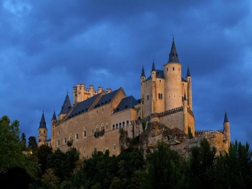 5-Day Madrid Escorted Tour - Madrid, Toledo, Avila, Segovia - First Class