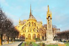 free walking tours in nyc:Notre Dame and Ile de la Cite Walking Tour
