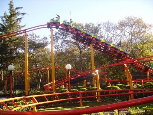 8-Hour Six Flags Theme Park Tour