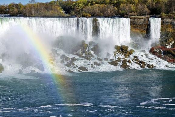2-Day Niagara Falls and Thousand Islands or Secret Caverns Tour