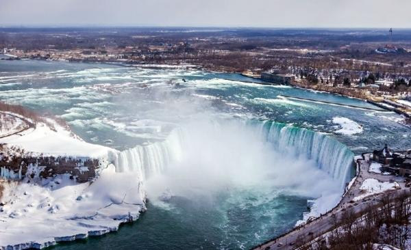 2-Day Niagara Falls Bus Tour: US and Canada